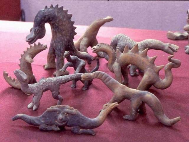 почему вымерли динозавры и мамонты